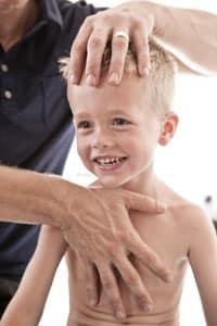Kinderosteopathie - Osteopathische Behandlungen in der Praxis in München