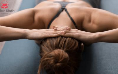 Ein dynamisches Duo bei Nackenschmerzen: Osteopathie und Yoga Therapie